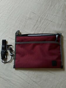 *BNWT* Crumpler The Pick Hip Pouch Sling Bag