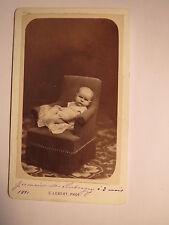 PARIS - 1881-Germaine de Kertanguy à 3 mois-Bébé dans Fauteuil-Décor/CDV