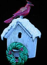 JJ PEWTER TONE WINTER WREATH CHRISTMAS BIRDHOUSE RED BIRD CARDINAL PIN BROOCH