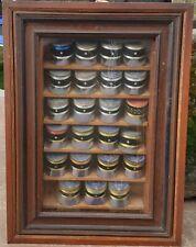 Collection de képi de Gendarmerie...miniature en carton sous vitre ....
