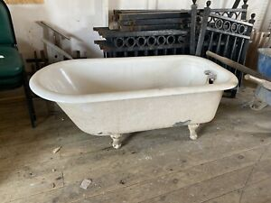 cast iron clawfoot bathtub