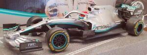 Maisto 1/24 Scale RC Car #81382 - Mercedes AMG F1 W10 EQ Power #44 L.Hamilton