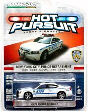 2014 Greenlight HOT PURSUIT NYPD 2010 DODGE CHARGER POLICE CAR - mint card!