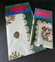 Vintage Christmas Liz Thompson Table Cloth and Matching 4 Napkins 100% Cotton