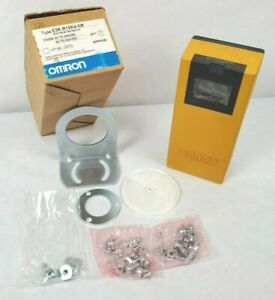 NEW Omron E3K-R10K4 Photoelectric Switch Sensor 42-240 VAC 24-240 VDC