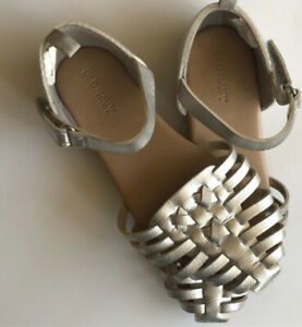 OLD NAVY  Faux Leather Huarache Sandals Silver Metallic Toddler Girls 10 GUC