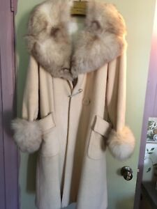 Vintage coat with Fox fur cllar and cuffs