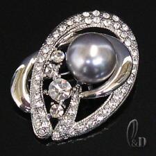 AU SELLER Lovely Sparkling Brooch Made With Swarovski Crystal & Pearl  br014