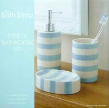 Sets d'accessoires bleus pour la salle de bain