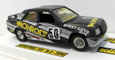 Voitures, camions et fourgons miniatures noirs cars 1:43