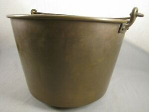 12 .5 in. Vintage Brass Bucket Pail Kettle Pot w/ Iron Handle Primitive Antique