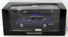Modellini statici di auto da corsa blu alfa romei pressofuso