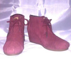 Toms Boots Red Suede Booties Lace Up Wedge Shoes Size 6W