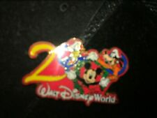 New listing Disney Pin 55 Wdw - Christmas 2000 with the Fab 3 (Mickey Mouse / Goofy