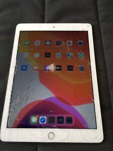 Apple iPad Air 2 64GB Wi-Fi+Cellular(Unlocked)9.7in Silver(13)CRACKED SCREEN