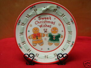 CHRISTMAS GINGERBREAD 7.5 IN RIBBON PLATE  FREE STAND