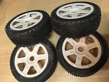 KYOSHO INFERNO MP7.5 SPORT, 4 x WHITE WHEELS & TYRES 17mm HEX 8TH, HIGH TRACTION