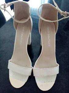 Ladies block heel shoes size 5