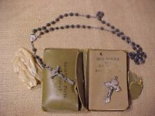 ORIGINAL WWII US SCARCE NAMED SOLDIERS PRAYER BOOK / ROSARY BEAD SET