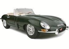 Voitures, camions et fourgons miniatures vert pour Bugatti