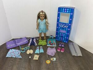 AMERICAN GIRL OF THE YEAR 2003 DOLL KAILEY LOT WITH ORIGINAL BOX + EXTRAS