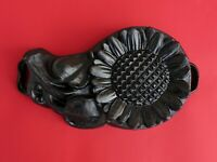 Vintage Cast Iron Sunflower pan - heavy sunflower mold baking pan   (# 13808)