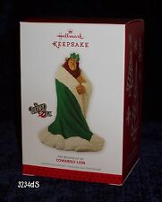 2013 Hallmark COWARDLY LION in Green Robe & Crown The WIZARD of OZ Ornament