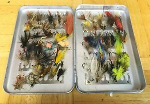 VINTAGE PERRINE #90 FLY BOX WITH 50+ ASSORTED FLIES