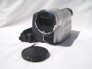 Panasonic NV-GS120EB Camcorder 3CCD MiniDV. DV-in. VGC. 1 Yr.Warranty.