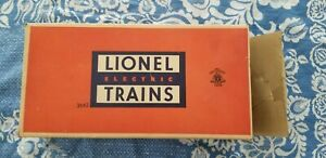 Lionel Post War Very Good no.3662 Operating Milk Car (UNRUN! Never been used)
