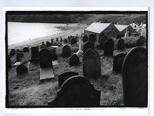 PHOTO noir & blanc ENGLAND scène de genre Le cimetière marin CEMETERY Les Stèles