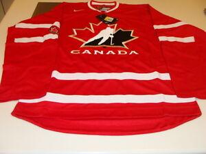 2016 World Juniors Championship Team Canada Red Jersey Player WJC IIHF Small NWT