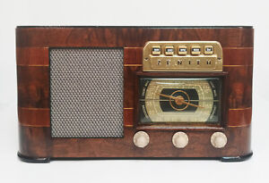 Old Antique Wood Zenith Vintage Tube Radio -Restored Working Art Deco Table Top