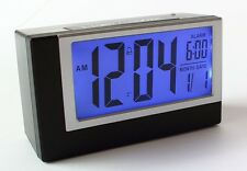 LCD Digitaluhr Wecker Digitalwecker Reisewecker mit Nachtsensor Tischuhr (2165)