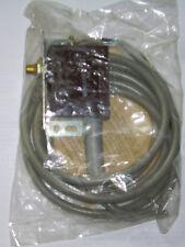 Mikrotaster Typ AR(4) 1. D2 mit 2m Kabel, VEB Robotron Auerbach
