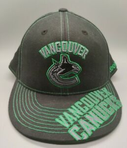 """Vancouver Canucks Reebok NHL 210 Fitted Flex Hat Size 7 1/4 - 7 5/8 """"Face Off"""""""