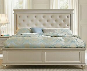 Celandine Silver King Panel Bed - Glamorous In Excellent Condition!