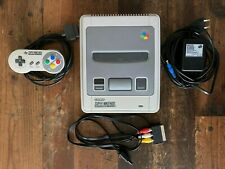 Super Nintendo Entertainment System - SNES Spielkonsole + Controller + Kabel
