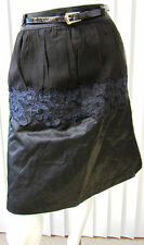 BETSEY JOHNSON NEW YORK  FLORAL EMBROIDERED SKIRT SIZE 6 BLACK BELTED BANDED