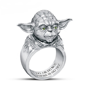 STAR WARS Sculpted Yoda Design With Green Stones Eyes 925 Real Silver Men's Ring