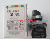 1PC NEW IN BOX Schneider ELECTRIC SELECTOR SWITCH XB4-BD21