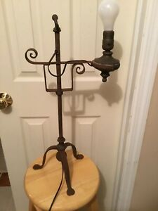 """Antique ARTS & CRAFTS Wrought Iron Table Lamp, VERY COOL & IT WORKS, 23"""" T 11"""" W"""