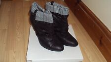 Black Spot On Fold Over Tweed Ankle Boots Size 6
