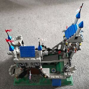 1995 Lego Royal Knights Castle 6090 incomplete parts spares