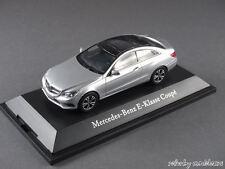 1/43 Kyosho Mercedes Benz E-Klasse Coupe (C207) 2013 Iridiumsilber met. - 141069