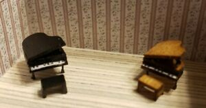 Dollhouse Miniature 1:144 Scale  Baby Grand Piano with stool Black or Wood Grain