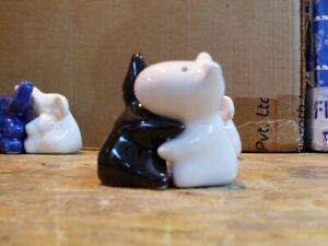 SALT AND PEPPER POTS HUGGING DOGS BRAND NEW 8 DIFFERENT COLOURS ENGLISH TERRIER