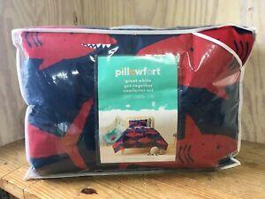 Pillowfort Great White Shark Twin Comforter Set Sham Blue Red