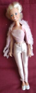Poupée mannequin Darling Famosa taille Barbie