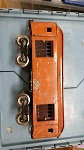 1921-23 LIONEL STANDARD GAUGE ORANGE  #32 BAGGAGE CAR W/ GREEN DOORS. NEEDS DOOR